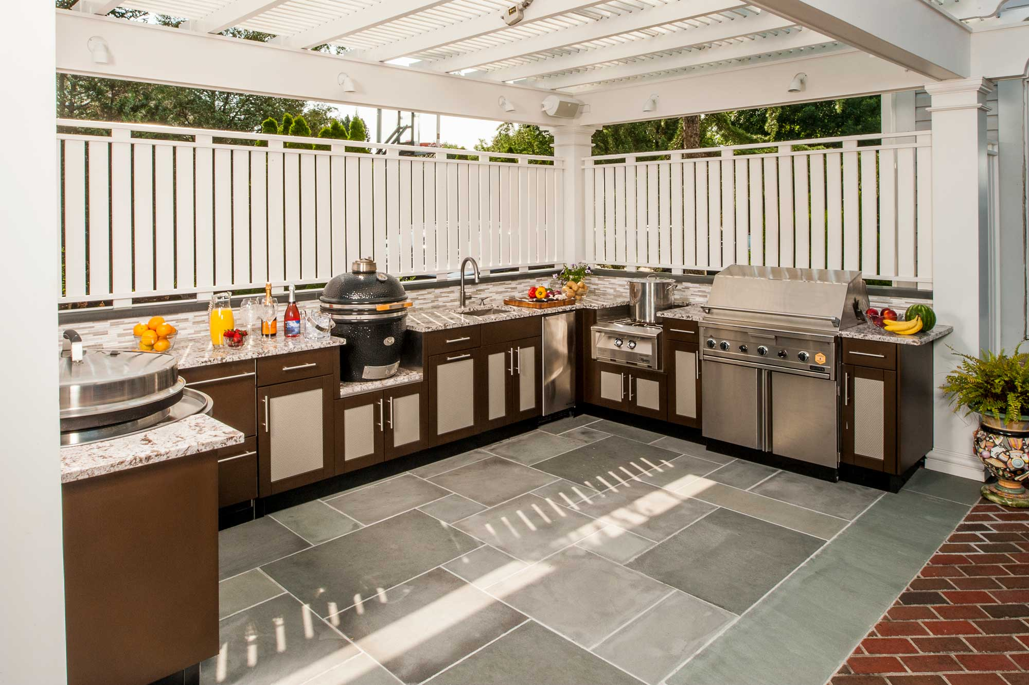 The BBQ Island vs. the Outdoor Kitchen