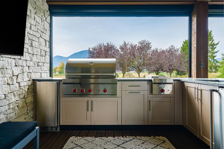 Outdoor Kitchens Vancouver - Barbecuing Benefits - Genesis Kitchen